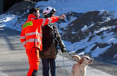 Gemeinsame Übung mit der Rettungshundestaffel der FFW Aschheim